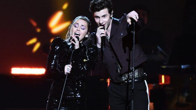 Shawn Mendes And Miley Cyrus Performed Together And It's As Magical As We Imagined!