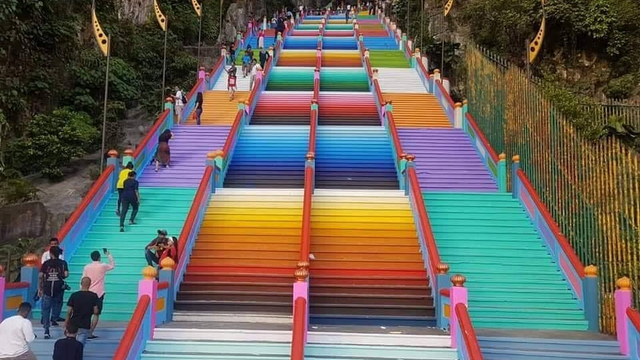 Batu Caves' Steps Get A Colourful Makeover!