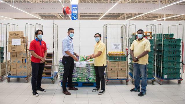 tesco, mondelez dan food aid berjaya kumpul rm200,000 untuk golongan kurang mampu