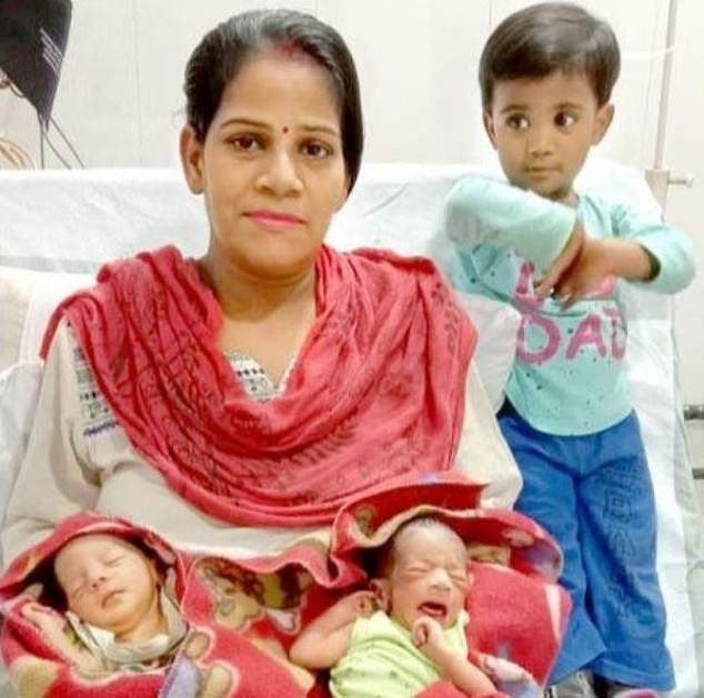 bayi kembar baru lahir masa perintah berkurung diberi nama corona dan covid