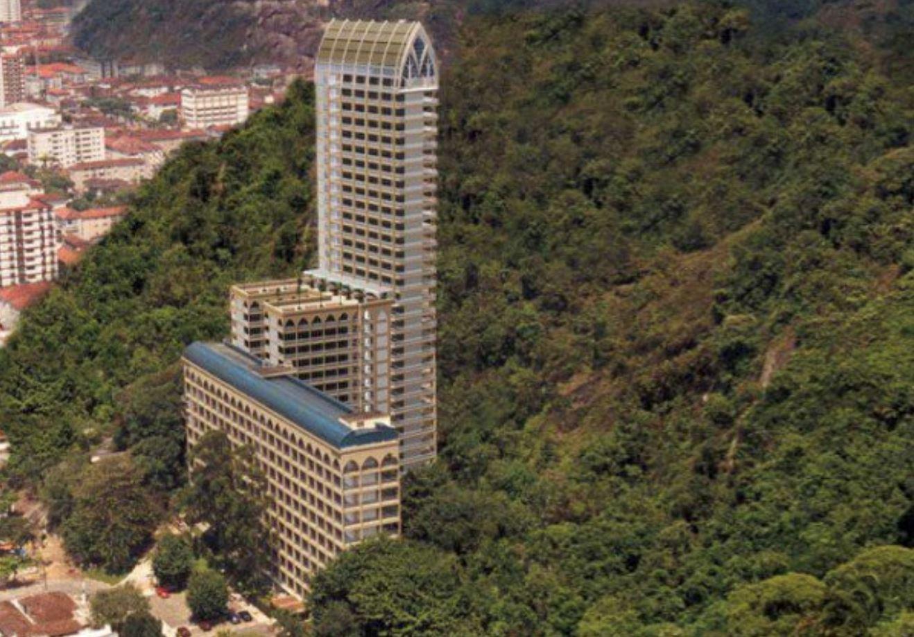 kubur paling tinggi di dunia dengan permandangan tepi bukit yang cantik