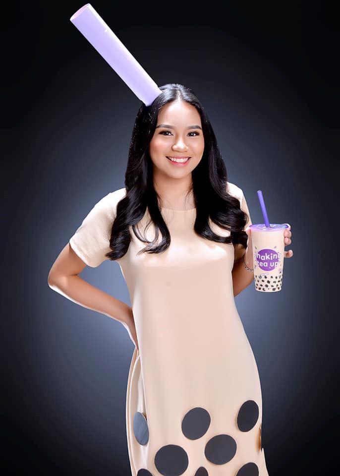 minat sangat bubble tea, gadis tukar diri jadi secawan bubble tea untuk majlis konvo