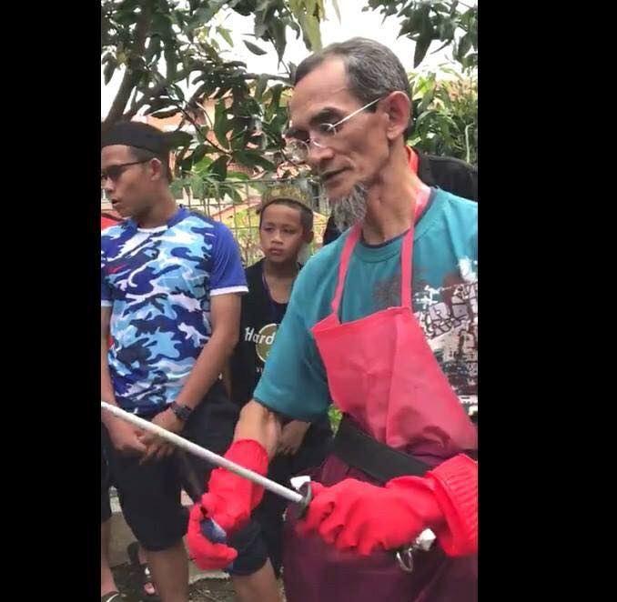 video pakcik ni ajar cara betul asah pisau dapat lebih 3 juta tontonan!