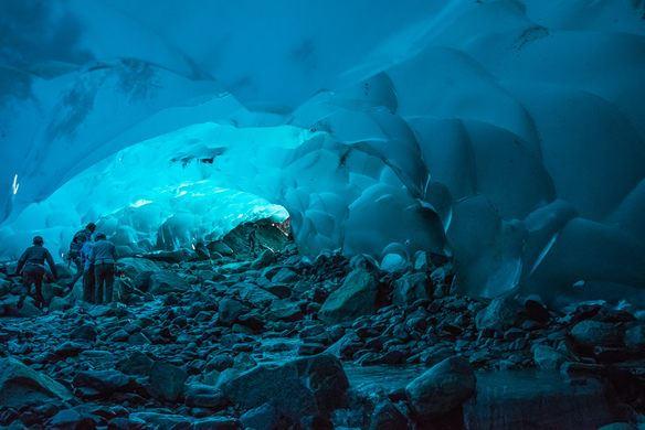tergamam tengok view gua ais sepanjang 19 km di alaska ni!