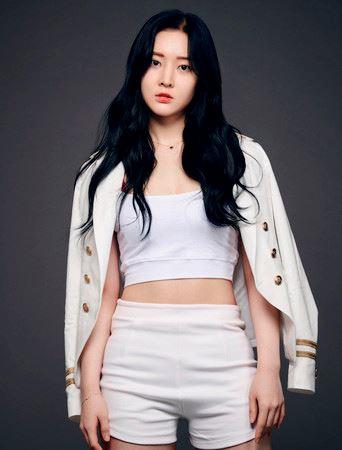 "t-ara 最小的成员""韩雅凛""宣布结婚!男友是企业家"