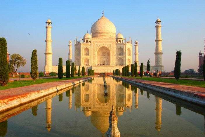 The Taj Mahal Is Turning Yellow And The Reason Is Pissing