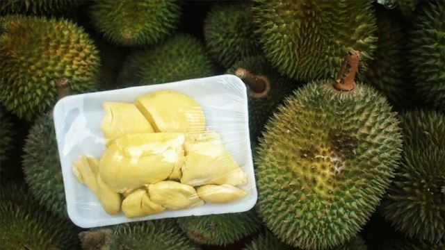 Pro-Chef Martha Stewart Wrote An Article About Jackfruits, But Used Pictures Of Durians
