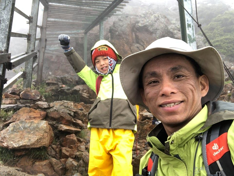 8-year-old boy hiked the tallest mountain in taiwan to fulfill his promise to his late mother