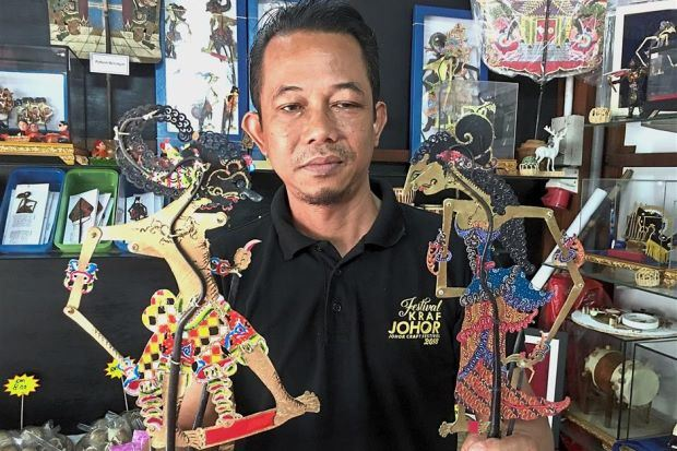 craftsman's passion for wayang kulit is still alive