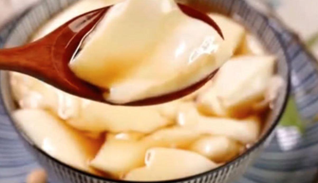 健康甜品!简单几个步骤教你自制滑嫩豆腐花!