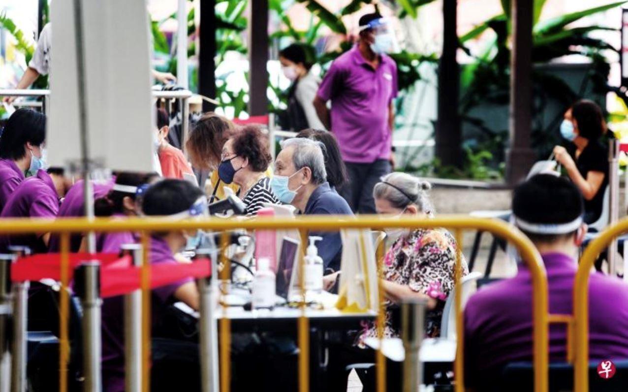新加坡政府规定:60岁以上年长者不必预约接种疫苗!