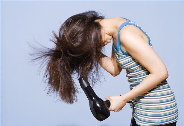 烫发卷度老是不持久?发型师亲授7个维持波浪卷寿命技巧!