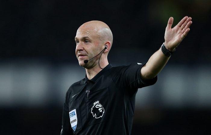 referee anthony taylor hailed for christian eriksen response