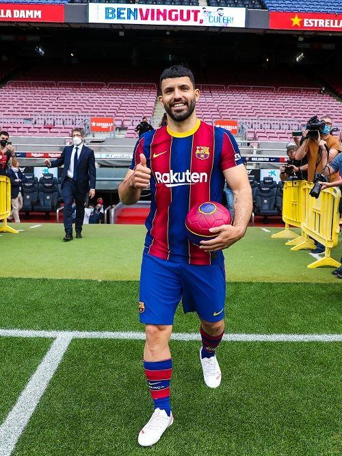 sergio aguero is now a barcelona player