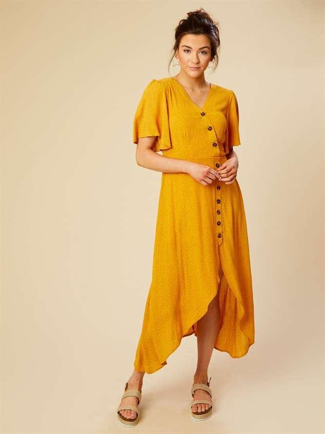 wanita di malaysia kurang gemar dengan pakaian warna kuning?