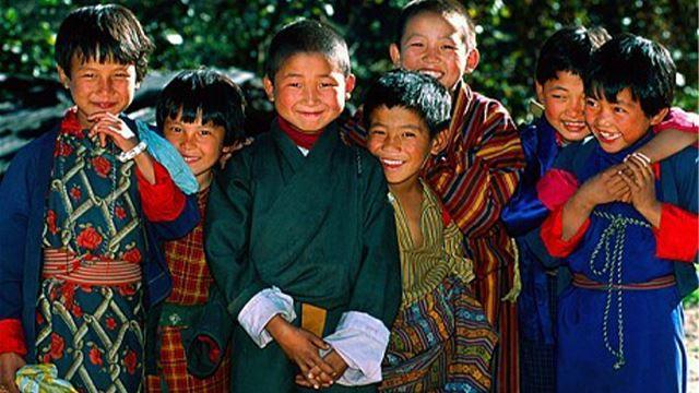 bhutan, negara yang melebihkan kebahagiaan berbanding duit