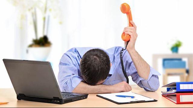 pekerja saman majikan sebab bagi kerja membosankan dan menang kes tersebut
