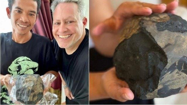 pembuat keranda jadi jutawa segera selepas meteorit jatuh dalam beranda rumah