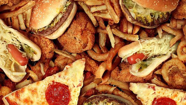 banyak makan junk food punca cepat penuaan