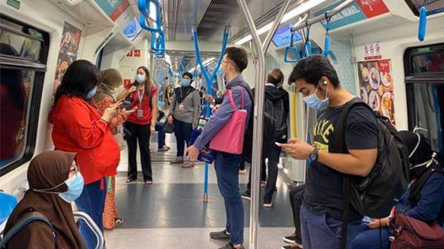 hari pertama pkpb, pengguna pengangkutan awam patuh kepada normal baharu