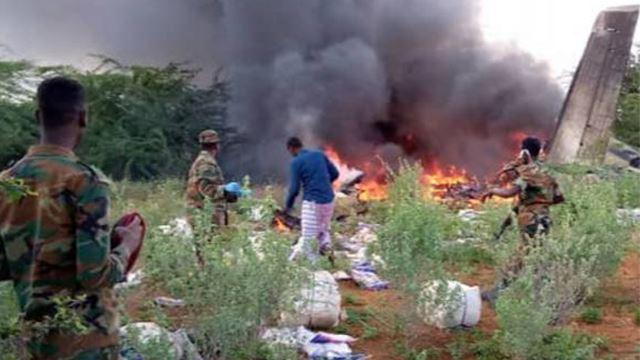enam maut apabila pesawat membawa peralatan perubatan covid-19 terhempas