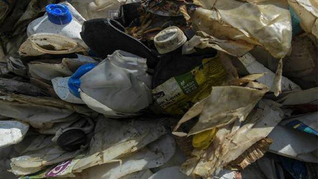 united kingdom ambil balik 42 kontena sampah haram mereka