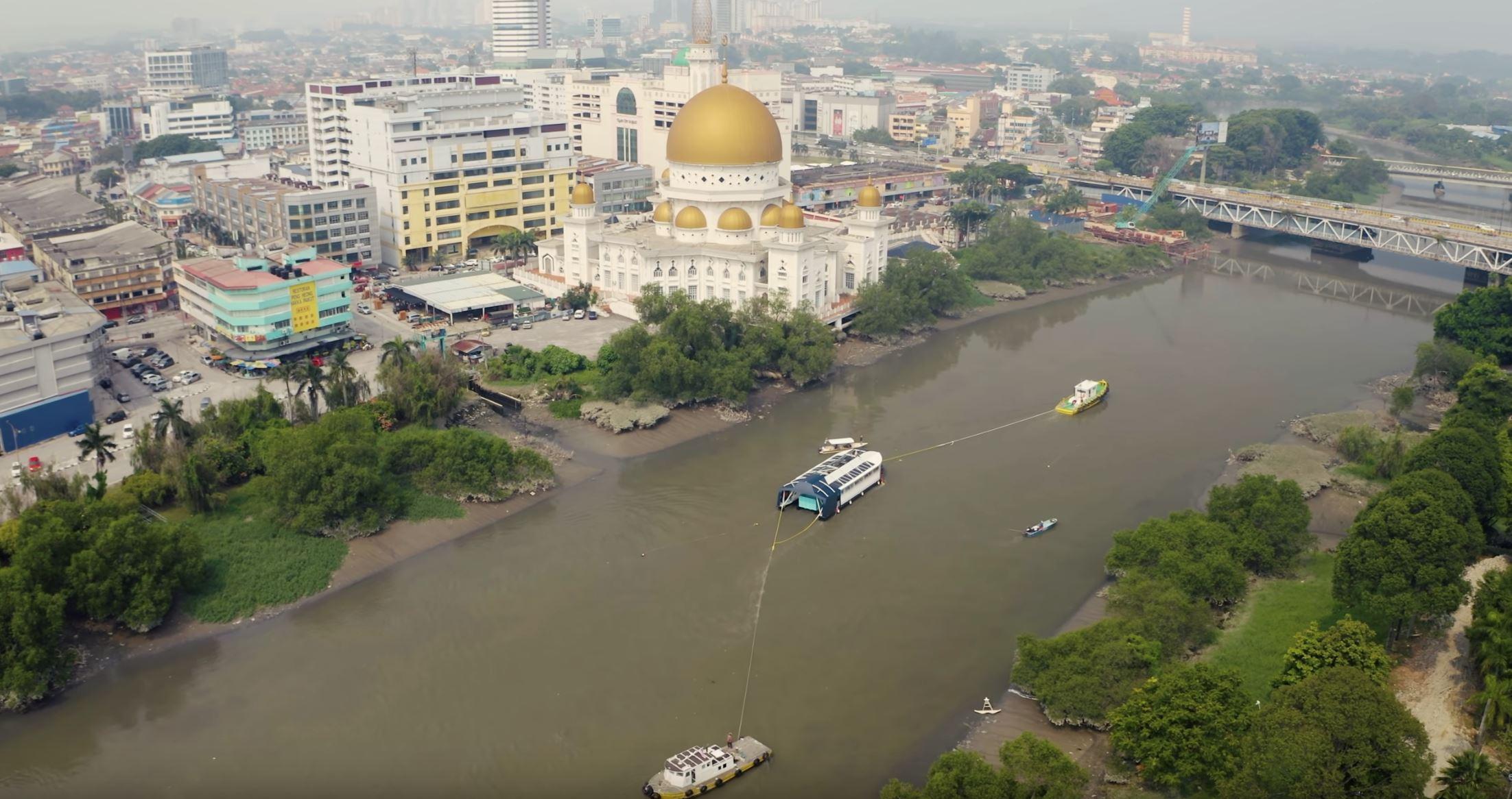 vacum cleaner gergasi, 'the ocean cleanup' bantu bersihkan sungai di malaysia