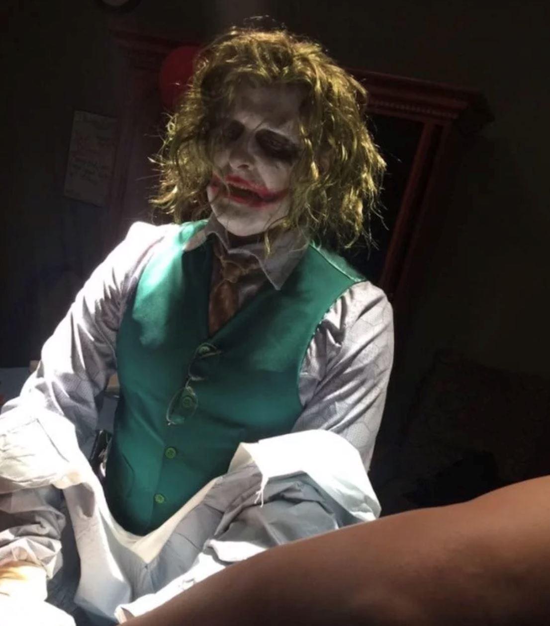 joker sambut baby baru lahir di tennessee