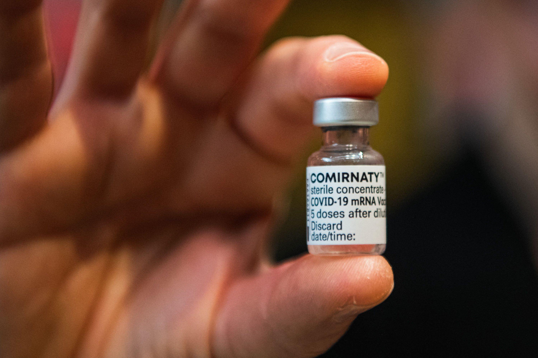 vaksin pfizer-biontech kini lulus untuk golongan 12 tahun ke atas