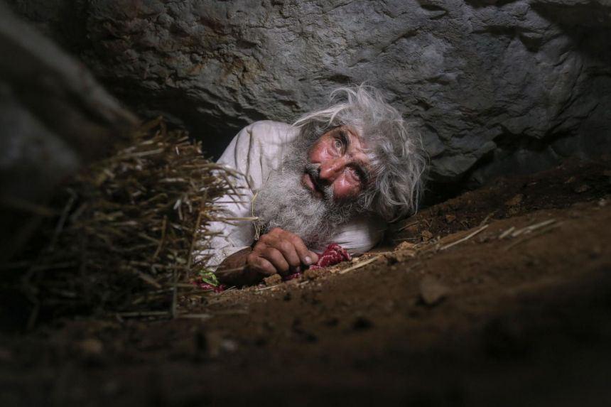 20 tahun dalam gua, lelaki baru tahu kewujudan covid-19 dan minta segera divaksin