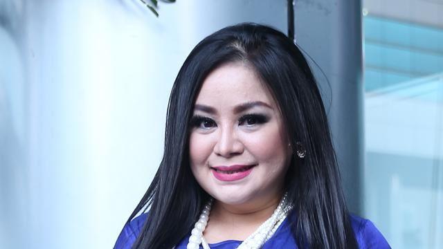 penyanyi dangdut indonesia tekad jual rumah demi bantu mangsa covid-19