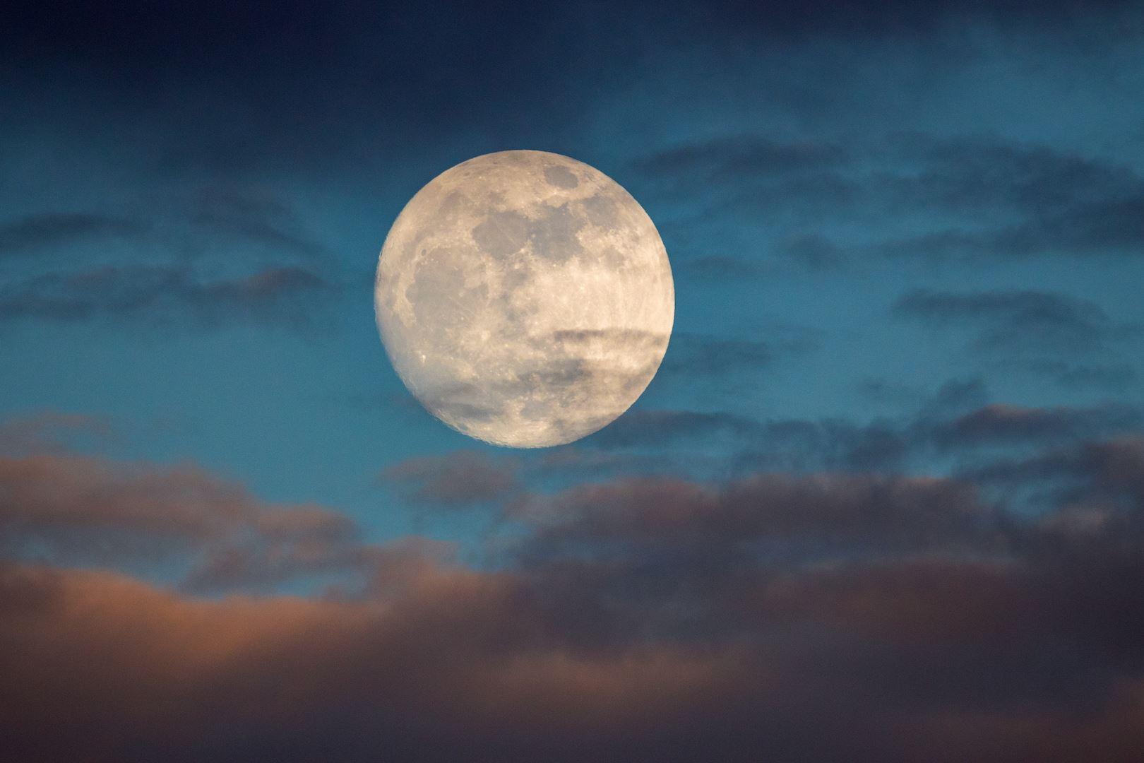 kajian dapati lelaki susah nak tidur ketika bulan mengambang