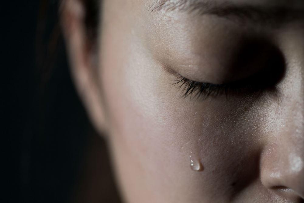 jangan tahan, menangislah, ia bantu anda rasa lebih bahagia!