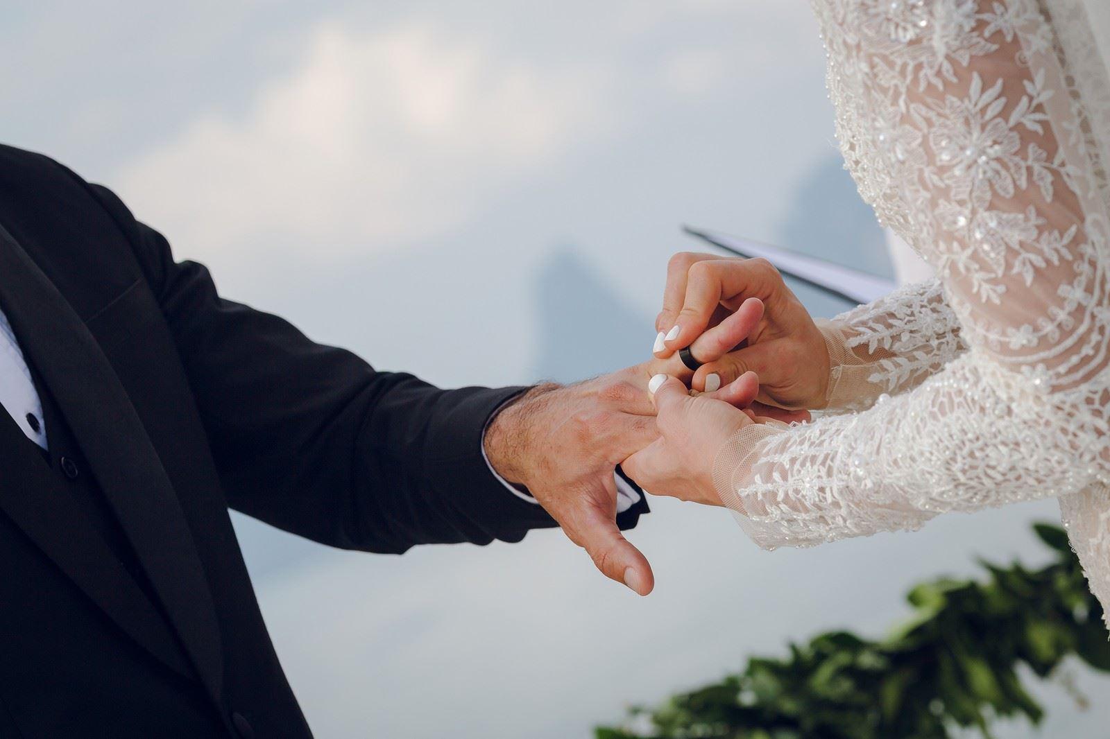 wanita ni taknak kahwin sebab pengantin lelaki tak tahu sifir dua