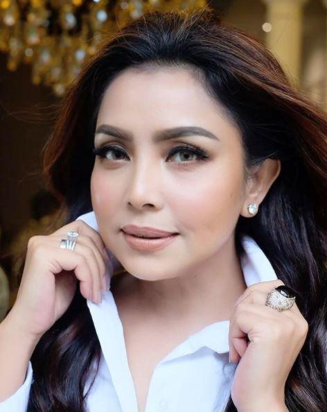 penyanyi indonesia ini tak marah kalau suaminya curang
