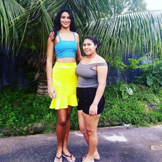 bukan sebab keturunan, wanita ini dedah punca tinggi lebih 2 meter