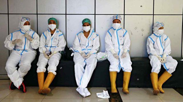 covid-19: sistem kesihatan indonesia kini lumpuh, doktor terpaksa memilih pesakit