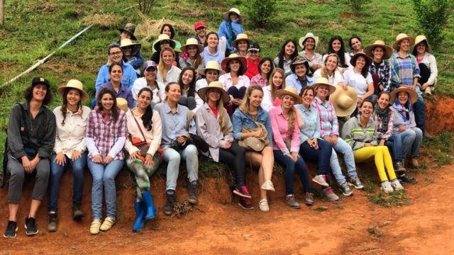 kampung di brazil ini yang hanya didiami ramai wanita cantik yang menunggu jodoh datang!