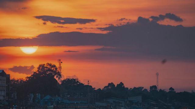 matahari terbit sebelah utara di indonesia