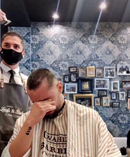 sahabat hidap kanser, 'barber' cukur rambut sendiri