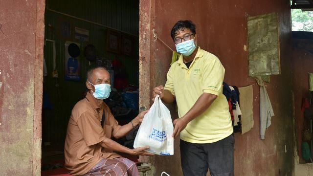 sebanyak rm200,000 telah berjaya diraih tesco, mondelez dan food aid untuk golongan yang memerlukan
