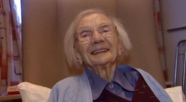 [Video] Selain Bubur, Menjauhkan Diri Daripada Lelaki Antara Rahsia Nenek Ni Panjang Umur
