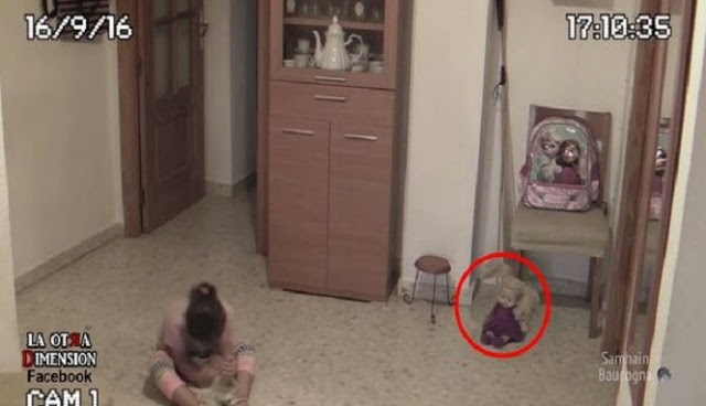 [Video] Anak Patung Bergerak Sendiri. Seram!