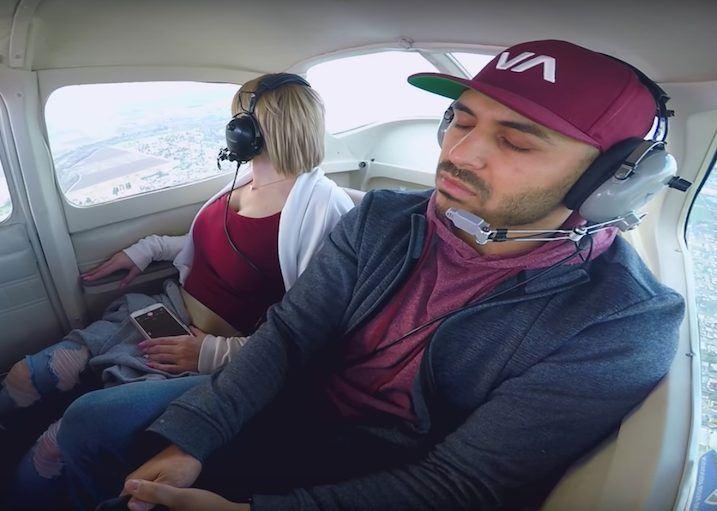 Nak Melamar Kekasih Dalam Helikopter Tapi Gayat Pula. Kesiannya!