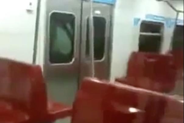 [Video] Takkan Sampai Macam Ni Sekali Rakyat Negara Ini Naik Tren