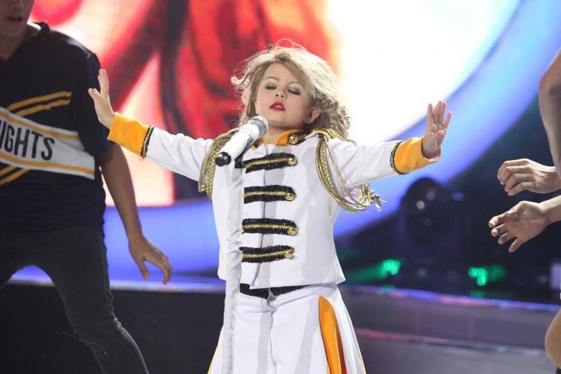 [Video] Aksi Lincah Budak Kecil Ala-Ala Taylor Swift Ni Bikin Ramai Jatuh Hati