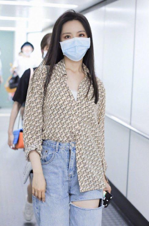 硬糖少女303机场照曝光!希林娜依·高和陈卓璇撞衫!