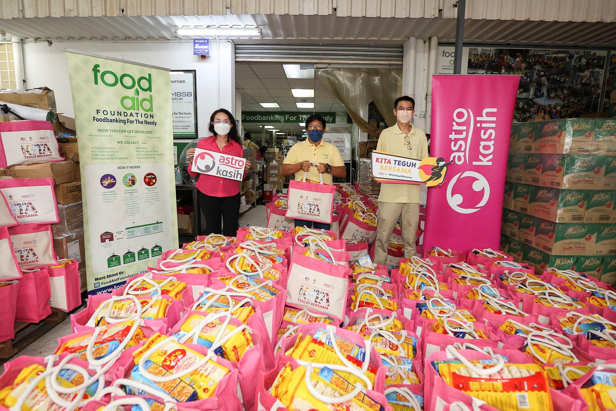 #kitateguhbersama: astro为800个有需要的家庭提供食品援助