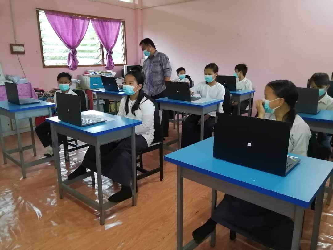 astro kasih为学生提供无障碍教育,捐赠30台笔记本电脑给东马学校!