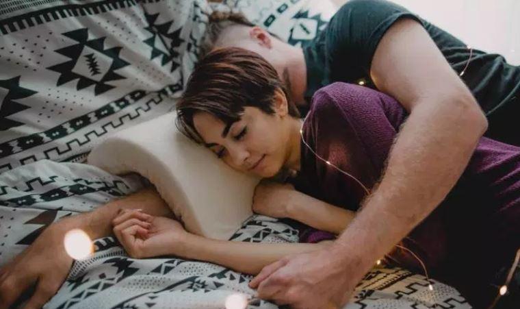 男人的救星啊!「拱形枕头」让男人的手不再麻痹!